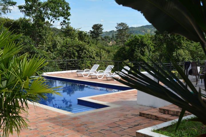 Summer retreat in Anapoima