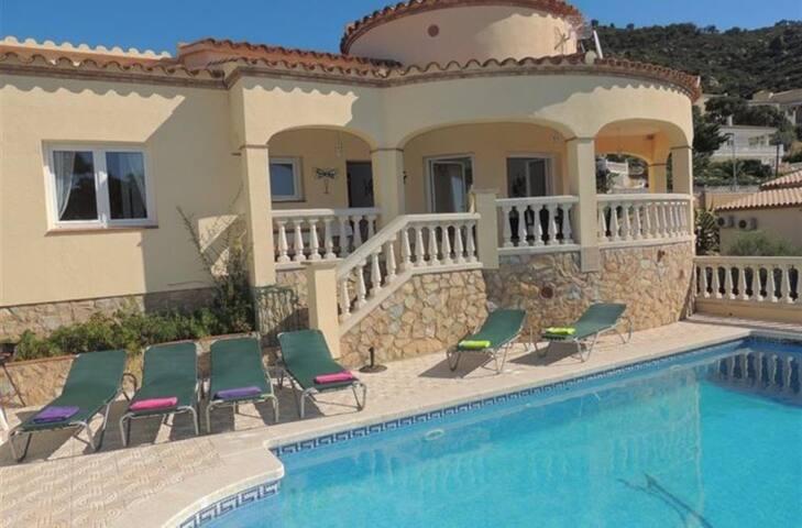 Villa Pozo - El Mas Isaac - Vakantiewoning