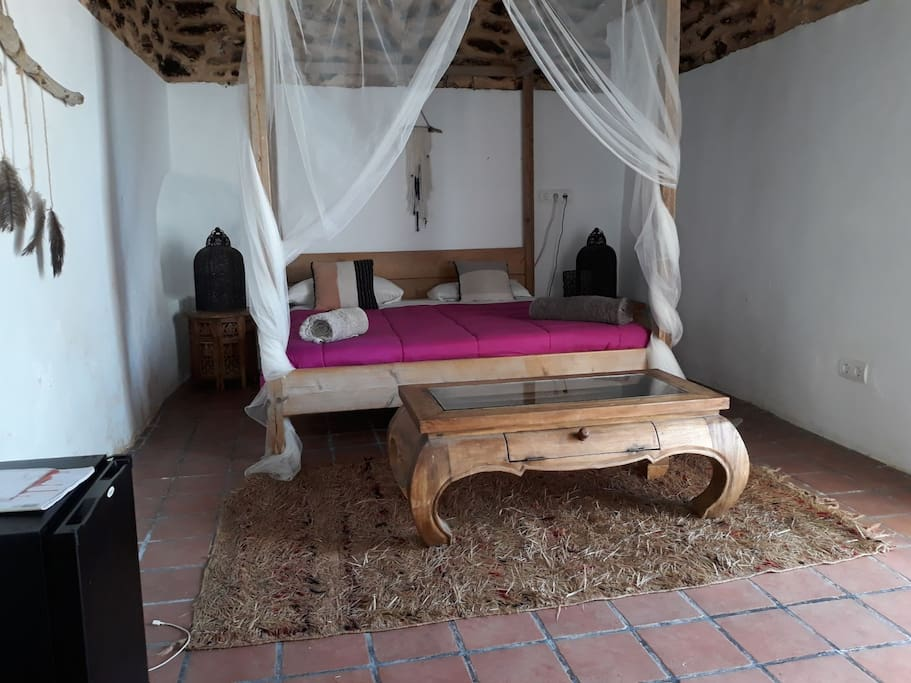 BEDROOM STANDARD ROOM CALA MOLI