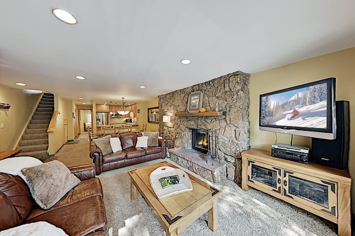 Beaver Creek West Condo with Pool & Hot Tubs