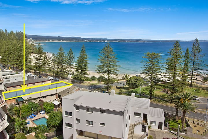 Pacific View unit 2 - Ground floor, Beachfront Rainbow Bay Coolangatta