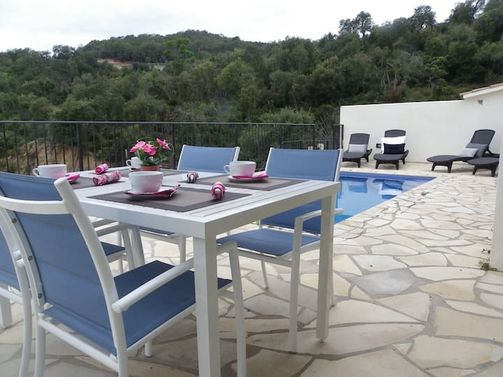 MODERN HOUSE WITH PRIVATE POOL AND FANTASTIC VIEWS ref MOLI-14
