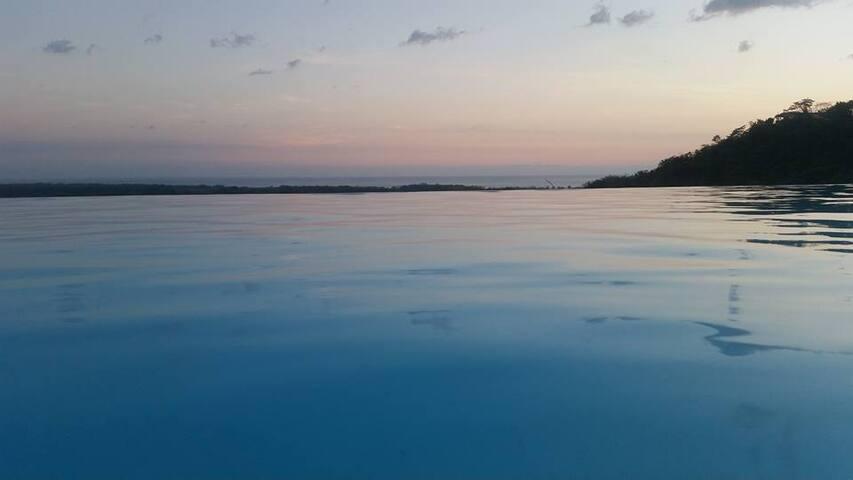 El palacio - Jaco Beach - Villa