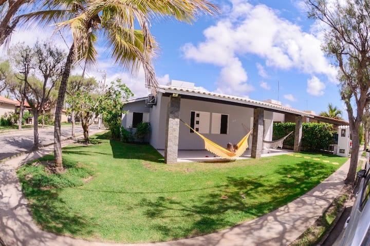 Casa de praia espetacular, 3/4 com Ar, condominio.