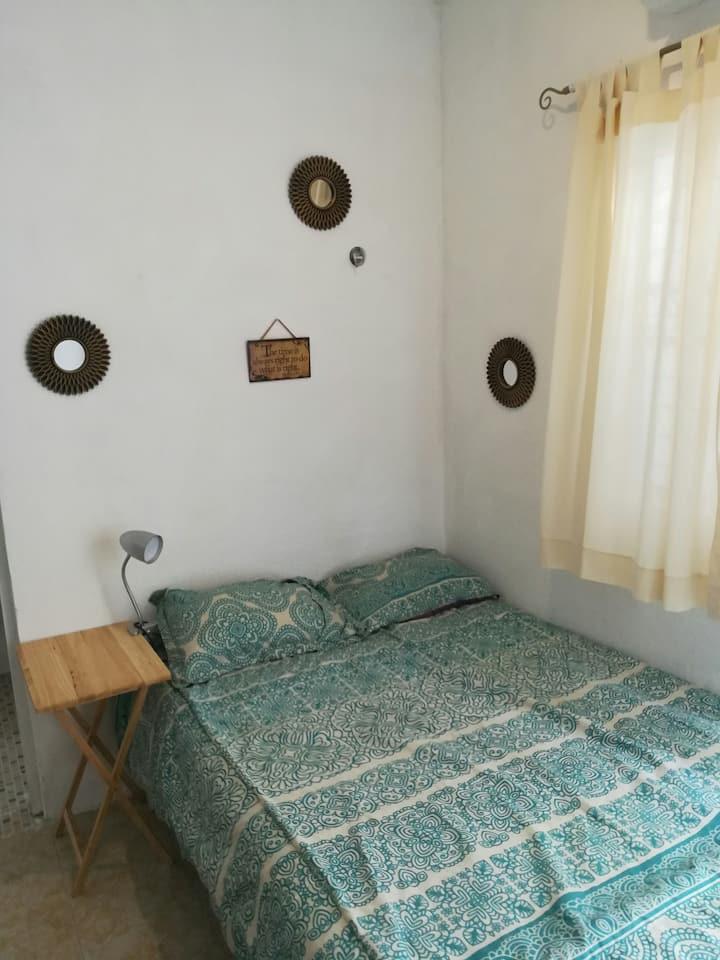 Room /AC/ 50MB Wifi/ Minifridge-Budget adventure ✌