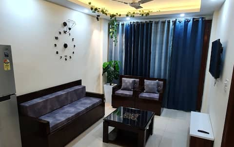 Entire 1BHK Apartment | Near Kasauli | Enjoy the Sunset and Nature view
