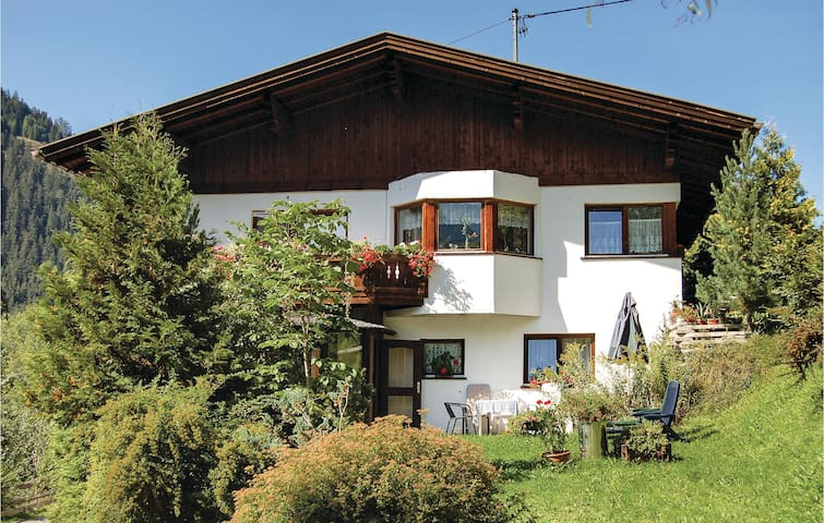 Holiday apartment with 2 bedrooms on 70m² in Jerzens