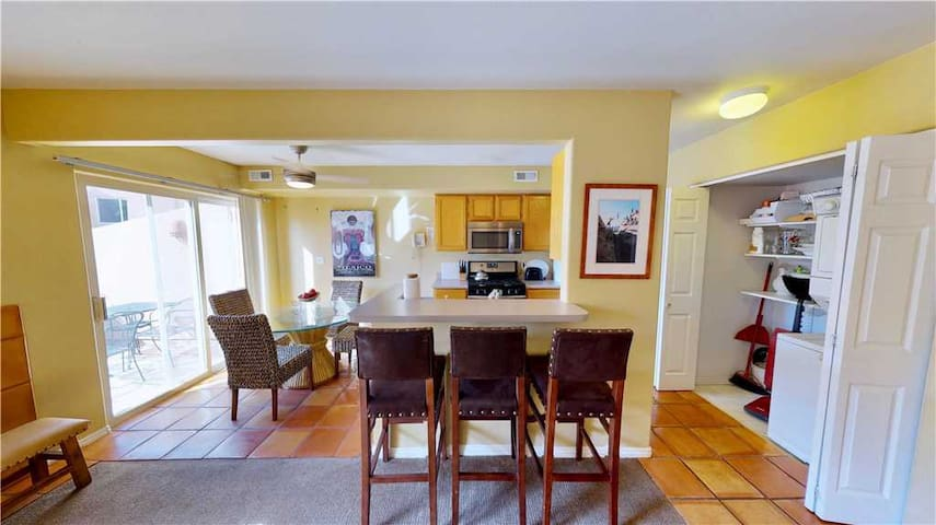 Outdoor Pool + Private Patio + Moab Rim Views = Your Perfect Condo Getaway  - Henning's Escape ~ 3328