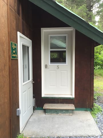 New room with private entrance and bathroom (#5) - スワード (Seward) - ゲストハウス
