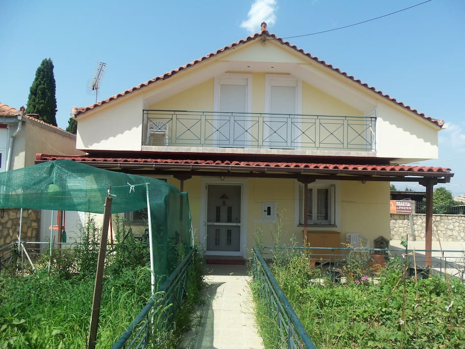 Family warm house with attic houses for rent in tripoli greece - Houses attic families children ...