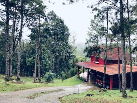 Casa de Montaña Altos de Cerro Azul