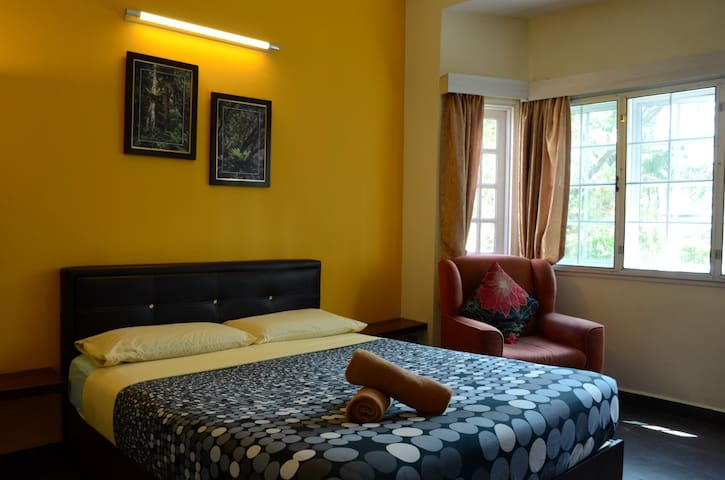 Private Double Room in Modern BnB