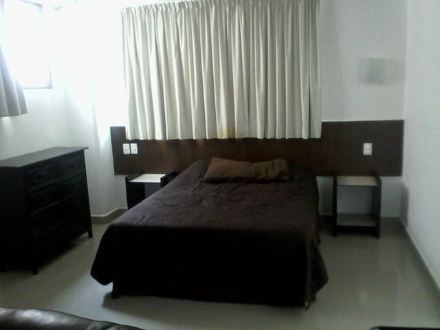 Suite Ejecutiva equipada y con excelente ubicación