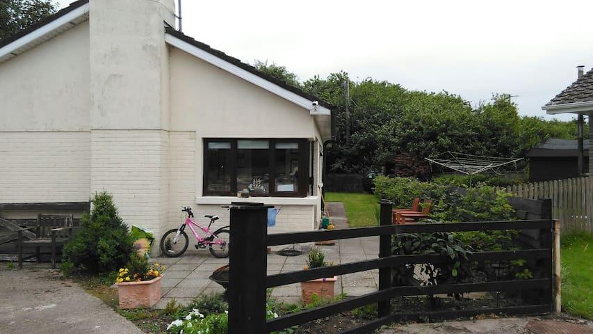 Dromineer. Co Tipperary. Lough Derg - Dromineer