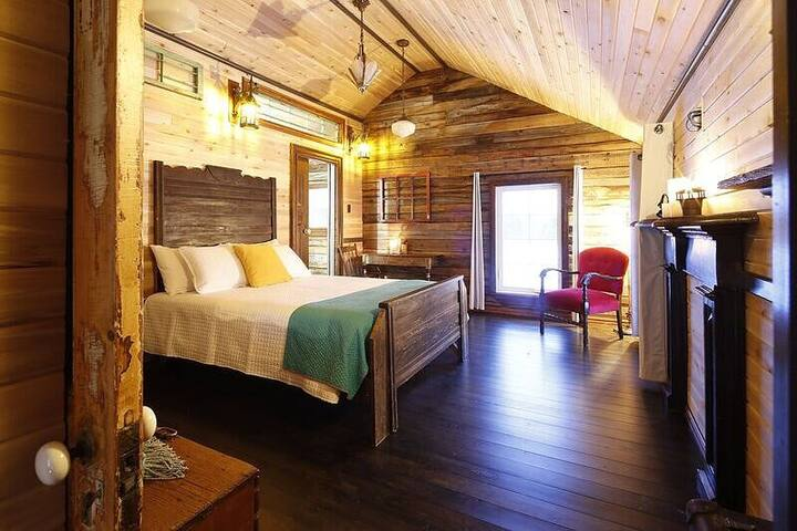 Historical Church Cottage - Corporate Retreat