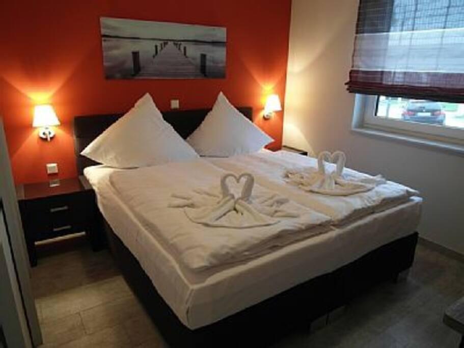 Das mit viel Liebe eingerichtete Ferienhaus bietet in 3 Schlafzimmern Platz für bis zu 6 Personen, Aufbettung für Kleinkinder ist möglich