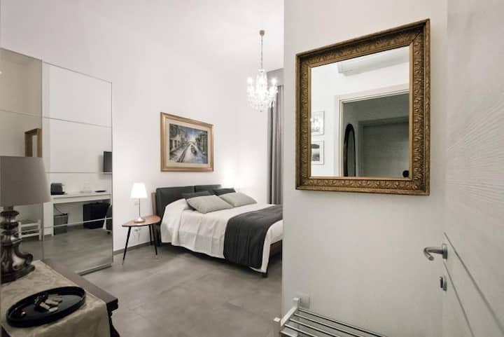 Corte Milanese Room  four
