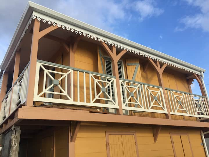 Maison créole avec jardin privatif, plage à 200m