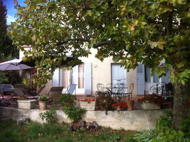 Maison  11 pers 30 mn de Cassis - Roquevaire - Dům