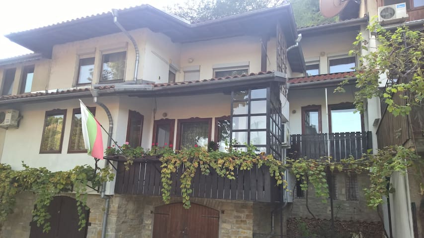 "Renaissance House ""Gergana"""