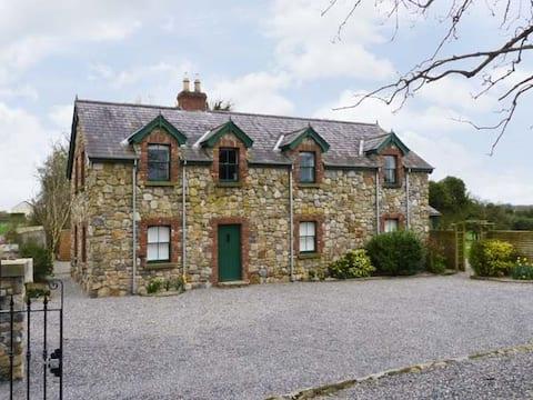 Bela casa de pedra perto de Centre parcs
