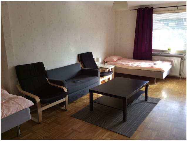 Linköping: Three room apartment with 6-7 beds
