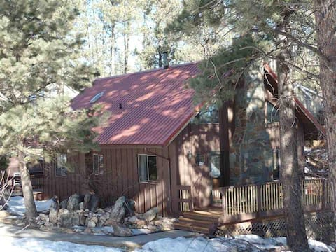 Wildland Lodge