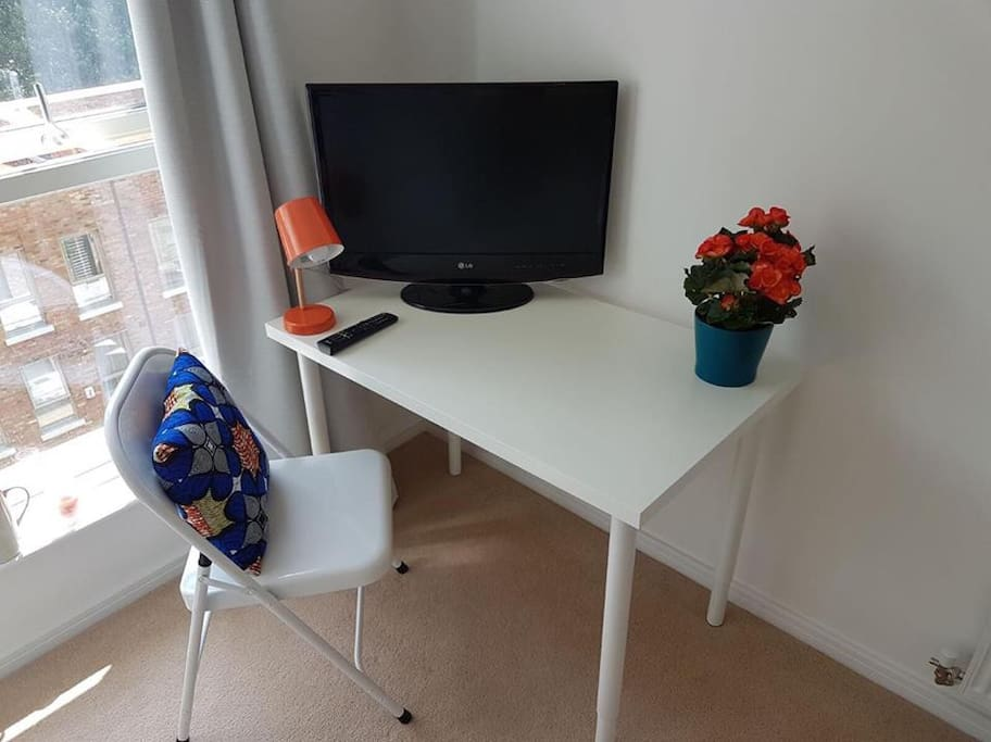 TV, WIFI and Desk to work on