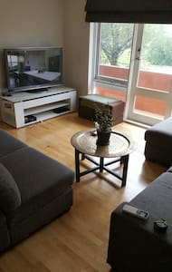 Spacious and great location - Brighton East - Lägenhet