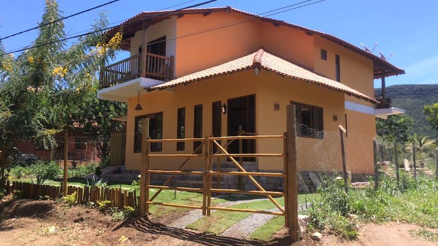 CASA DO CAPÃO - 12 pessoas - R$ 780,00 por noite.
