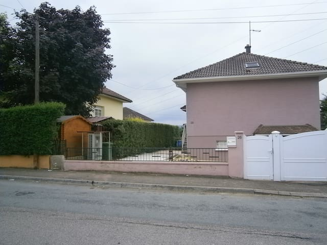 Maison proche commodité 4 chambres 106m² - Audincourt - Rumah