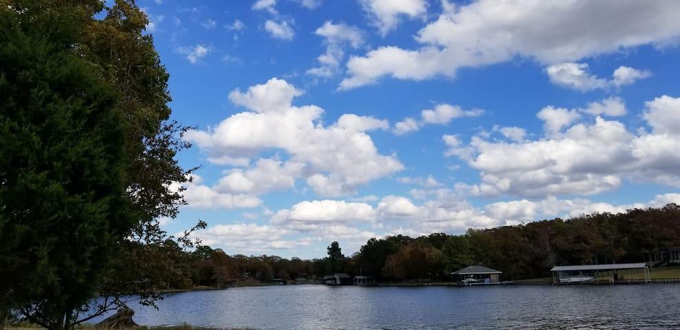 Cedar Creek Lake Front Charmer *Weekday Specials*