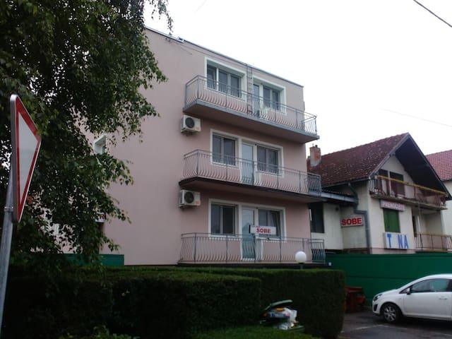 Oaza BM - Novi Banovci - Villa