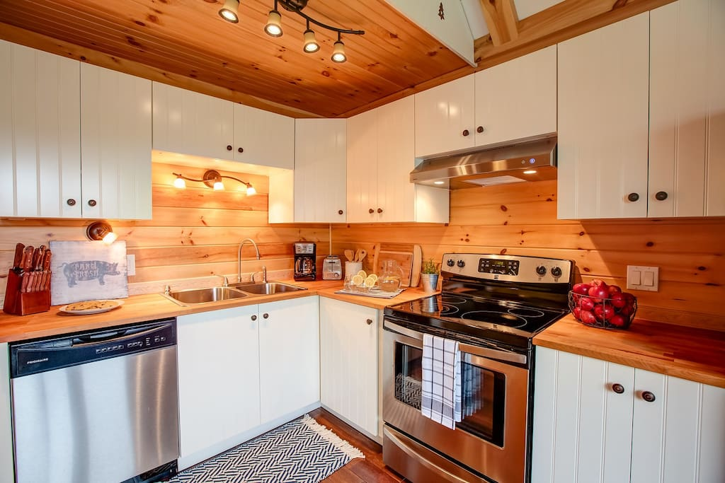 Fully equipped kitchen with all essentials needed to cook any meal