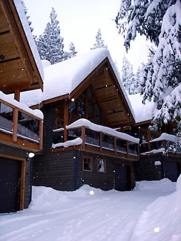 White Wolf 4 Bedroom - Discounted Lift tickets!