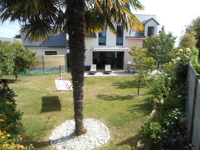 villa tout confort, jardin plein sud - Arzon - วิลล่า