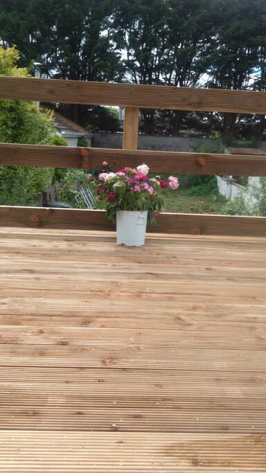 Balcony to back garden