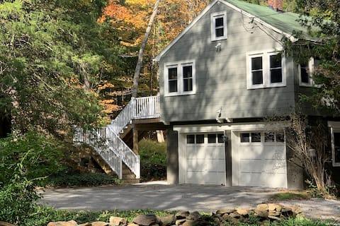 Forest Acres Cottage: Outdoor fun, indoor comfort.