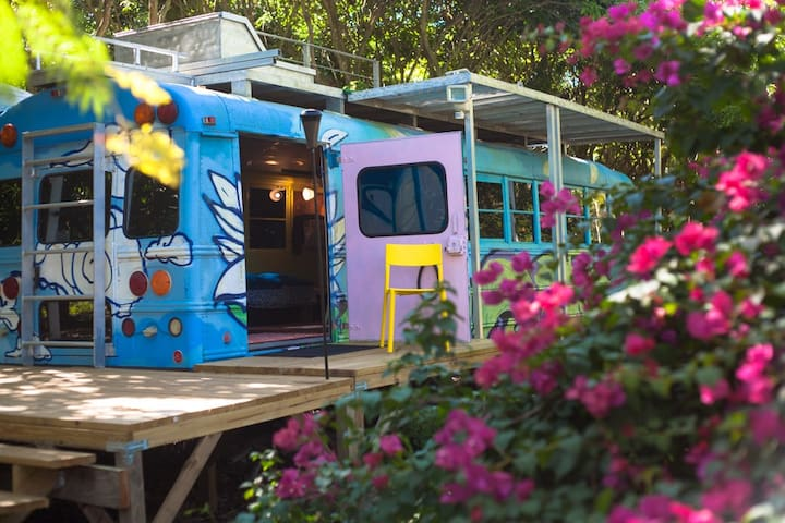 The Luv Bus at Z Button Farm 💙