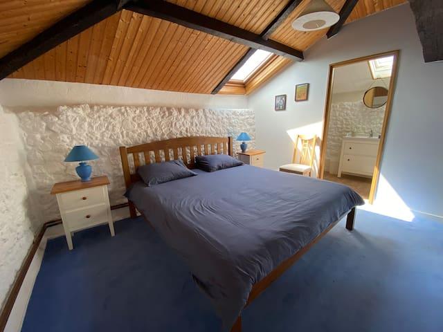 Bedroom 1 - Upstairs en-suite double with super-king bed (180x200)