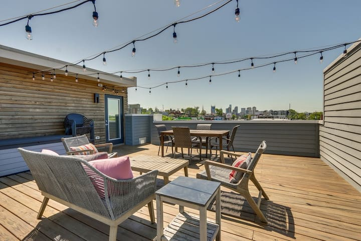 New Townhouse w Rooftop Deck in East Nashville
