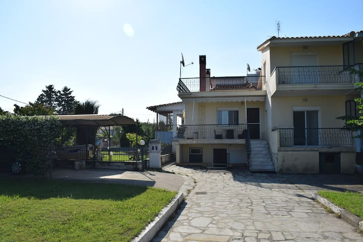 The Family House! Kariani beach of Kavala