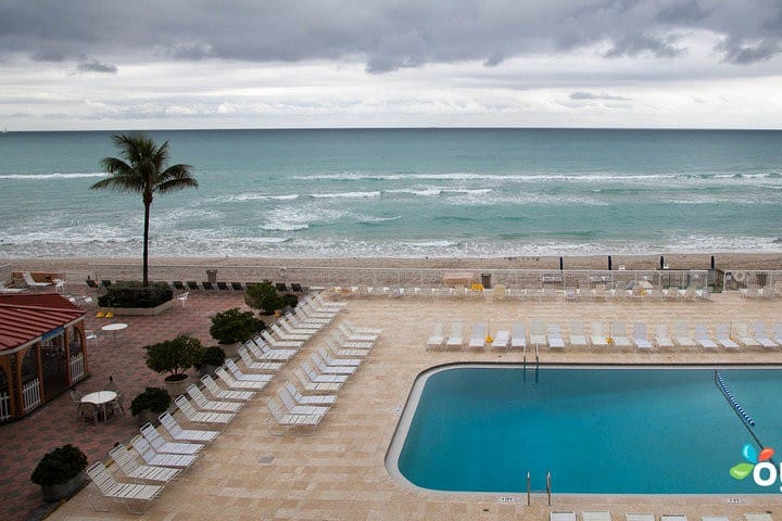 Ocean Front Studio -Balcony - Hotel Services