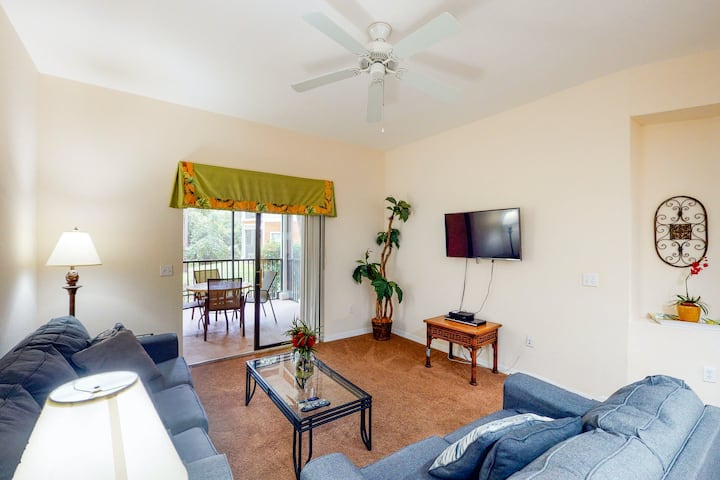 1st floor condo w/ sauna, shared pools, patio, limited-mobility access, gym