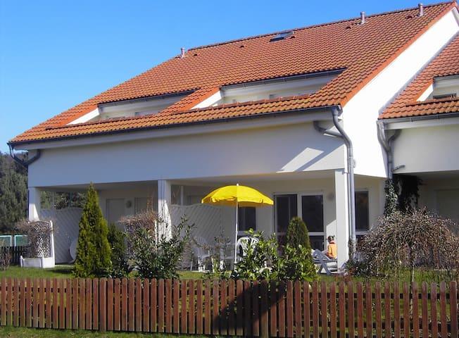 Ferienwohnung/App. für 4 Gäste mit 50m² in Koserow (94765)