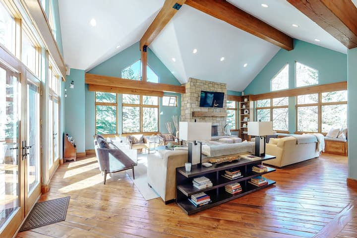 Elegantly-Designed, Five-Bedroom Home w/ a Private Hot Tub, Library, & Views