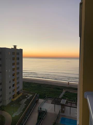 Apartamento pé na areia ! Venha relaxar!