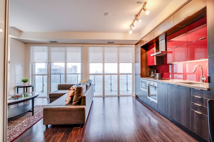 Luxury 1 Bedroom Condo Downtown Toronto