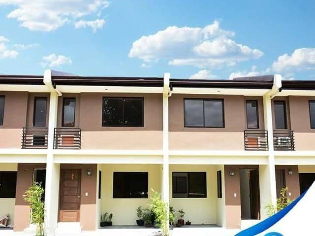 Calamba Heights TownHouse