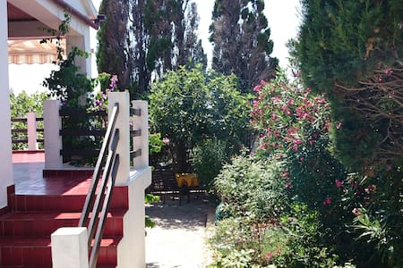House with big terrace and nice view - Mandre - House